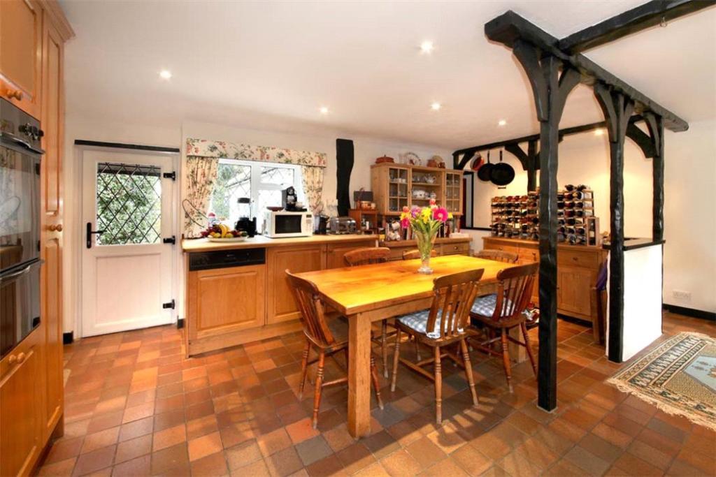 Woodrow: Kitchen