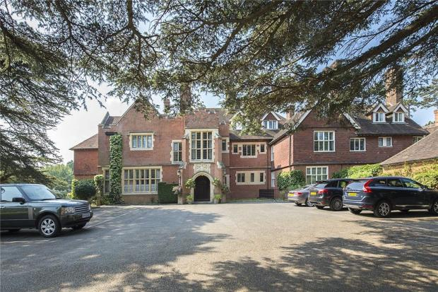 Framewood Manor