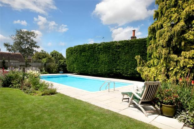5 bedroom detached house for sale in main road lacey - Princess risborough swimming pool ...