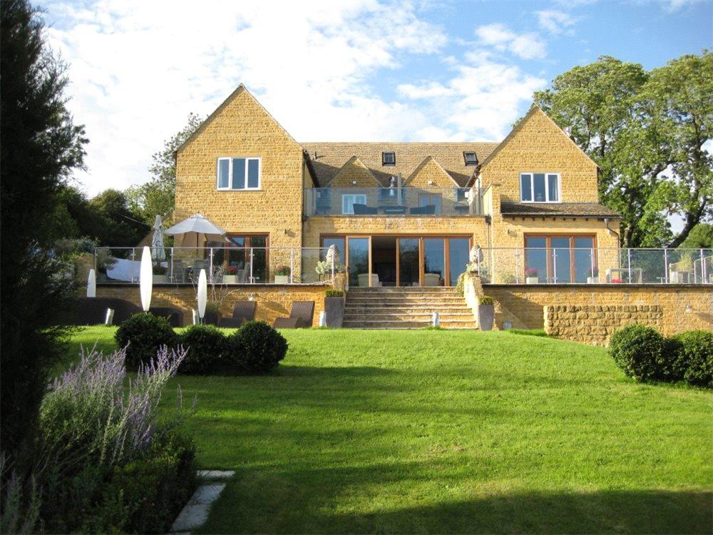 Bedroom Detached House For Sale In Syreford Cheltenham - Country house uk