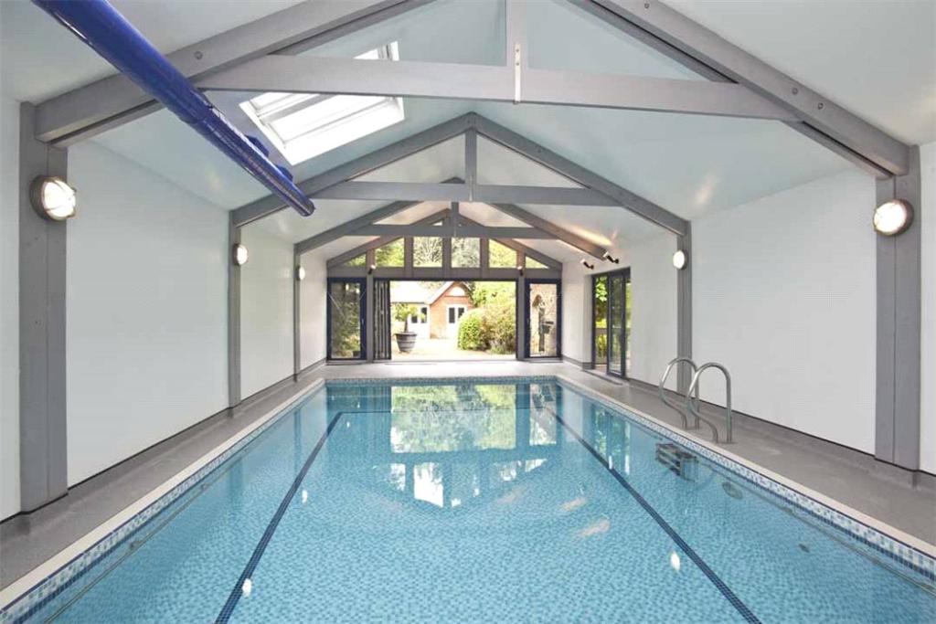 6 bedroom detached house for sale in beauchamp road east for 6 bedroom house with swimming pool for sale