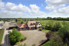Guide Price £775,000 					: 4 bedroom equestrian facility for sale : Ferry Farm, Weel, Beverley, East Yorkshire HU17
