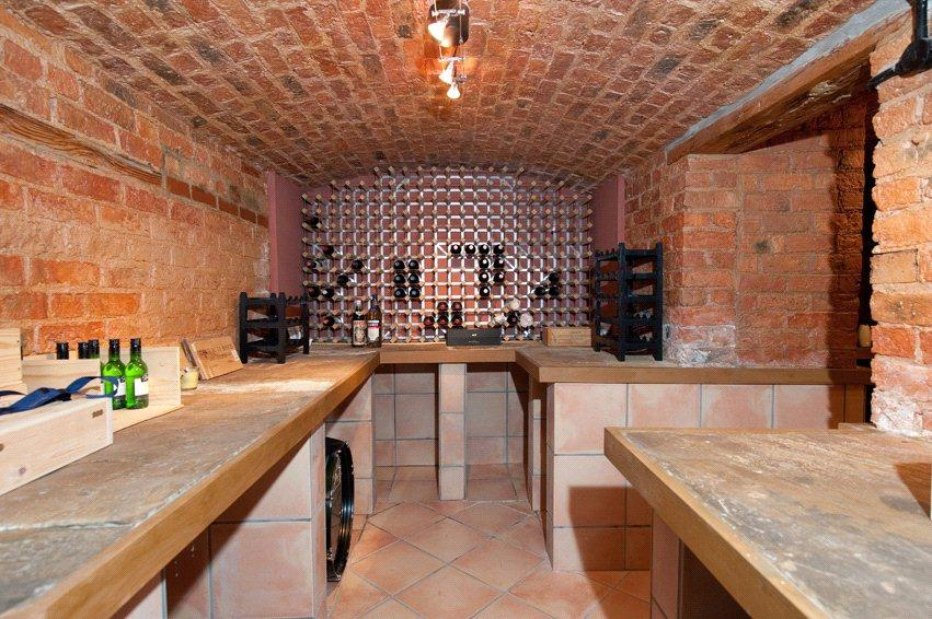 Moorlands: Cellar