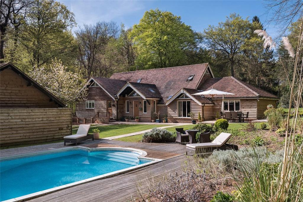 5 Bedroom Detached House For Sale In Stoke Row Road Kingwood Henley On Thames Oxfordshire
