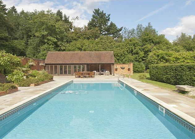 5 Bedroom Detached House For Sale In Kingwood Common Kingwood Henley On Thames Oxfordshire