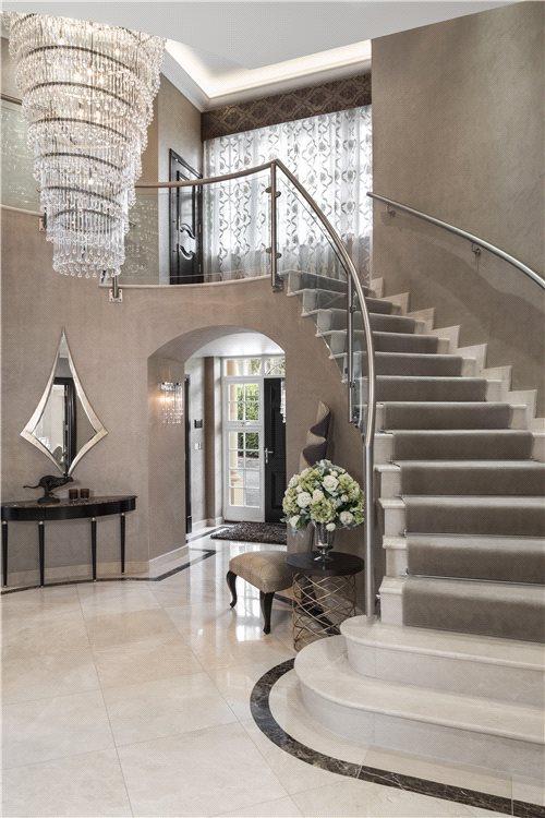 Galleried Hallway