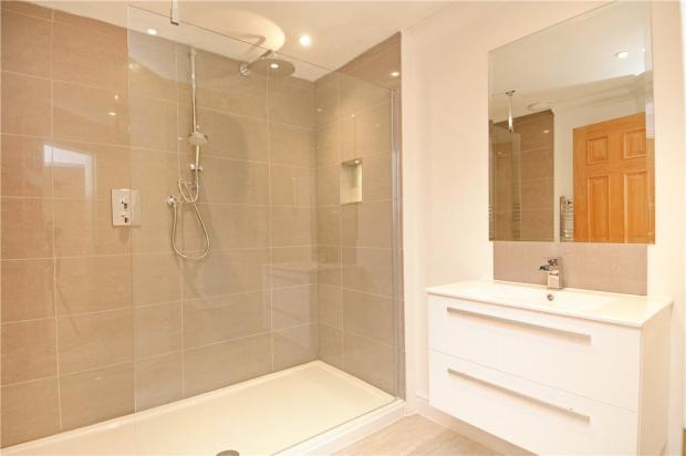3 Bath/Shower Rooms