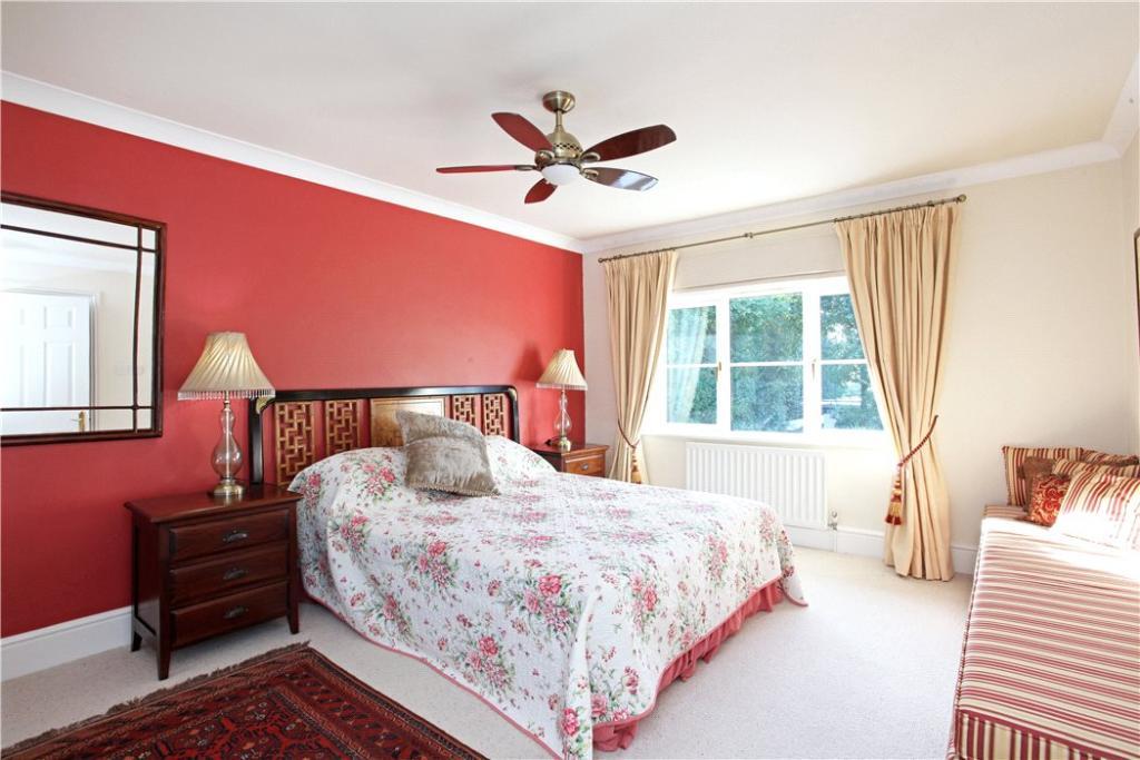 4/5 Bedrooms