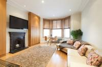 2 bed Flat to rent in Wrottesley Road, London...