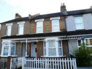 3 bed house to rent in Exeter Road, Croydon