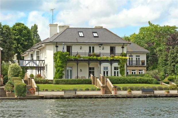 Thameside Place Kt1