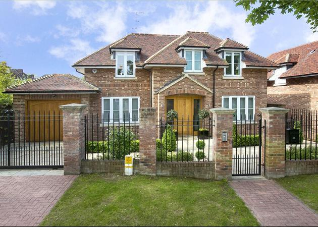 5 Bedroom Detached House For Sale In Bank Lane London
