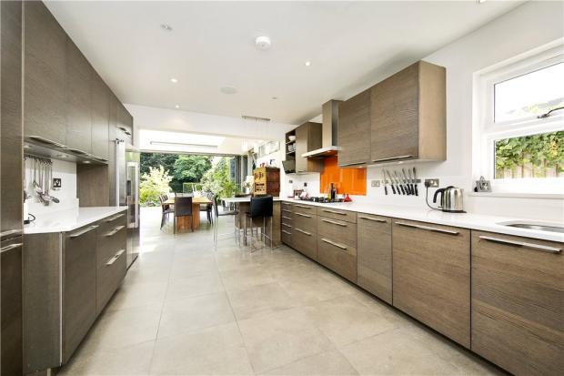 6 Bedroom House Sw14