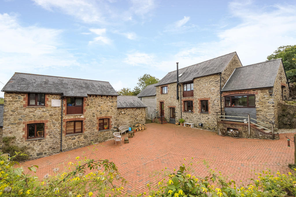6 Bedroom Barn Conversion For Sale In Saltash Cornwall Pl12