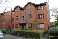 Apartment to rent in Simmons Court Range Road...
