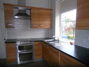 2 bed semi detached property in Findon Crescent