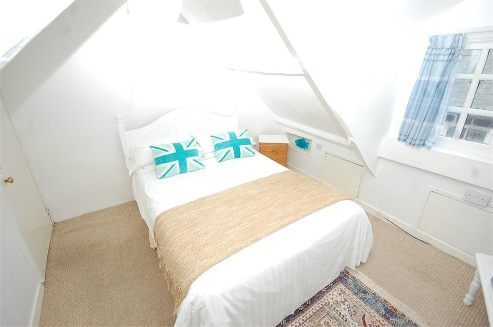 5 bedroom hotel for sale in fore street fowey cornwall for Bedroom suites for sale cheap