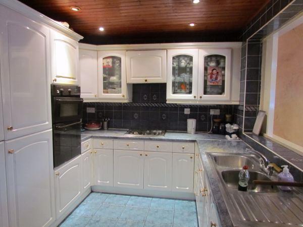 L Shaped Kitchen/Din