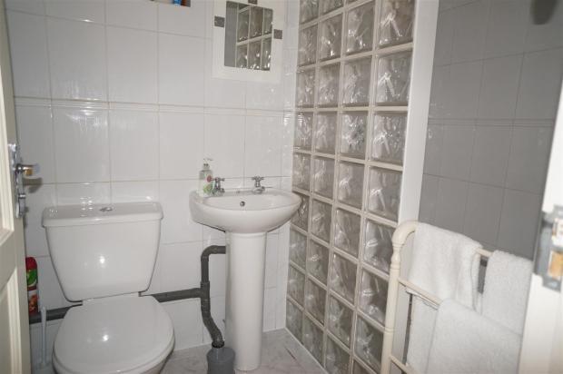 Shower Room: