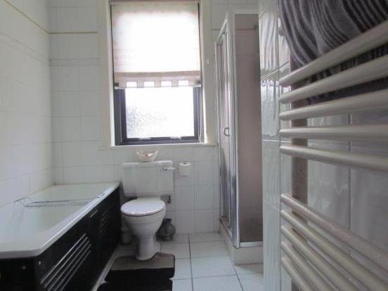 Spacious Bathroom/w.