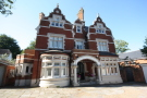 3 bedroom Flat for sale in , Kingston Vale, SW15