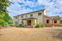 5 bedroom Detached property for sale in Eythrope Road, Stone...