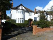 4 bedroom Detached home in Eastbury Road, Watford