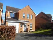 4 bed Detached property in Fynamore Gardens, Calne