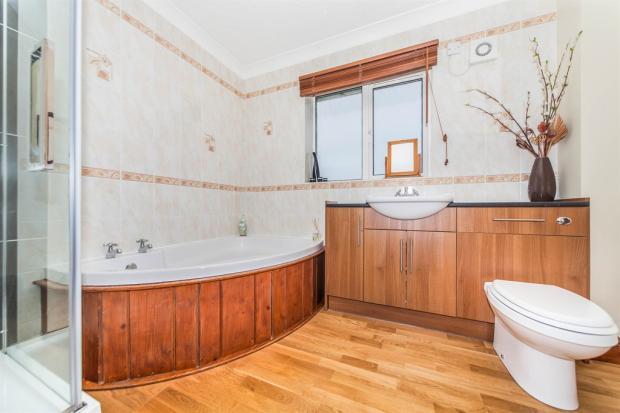 En Suite / Shower Room