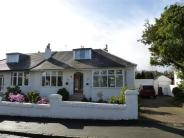 4 bed Semi-Detached Bungalow in Melford Avenue, Giffnock...