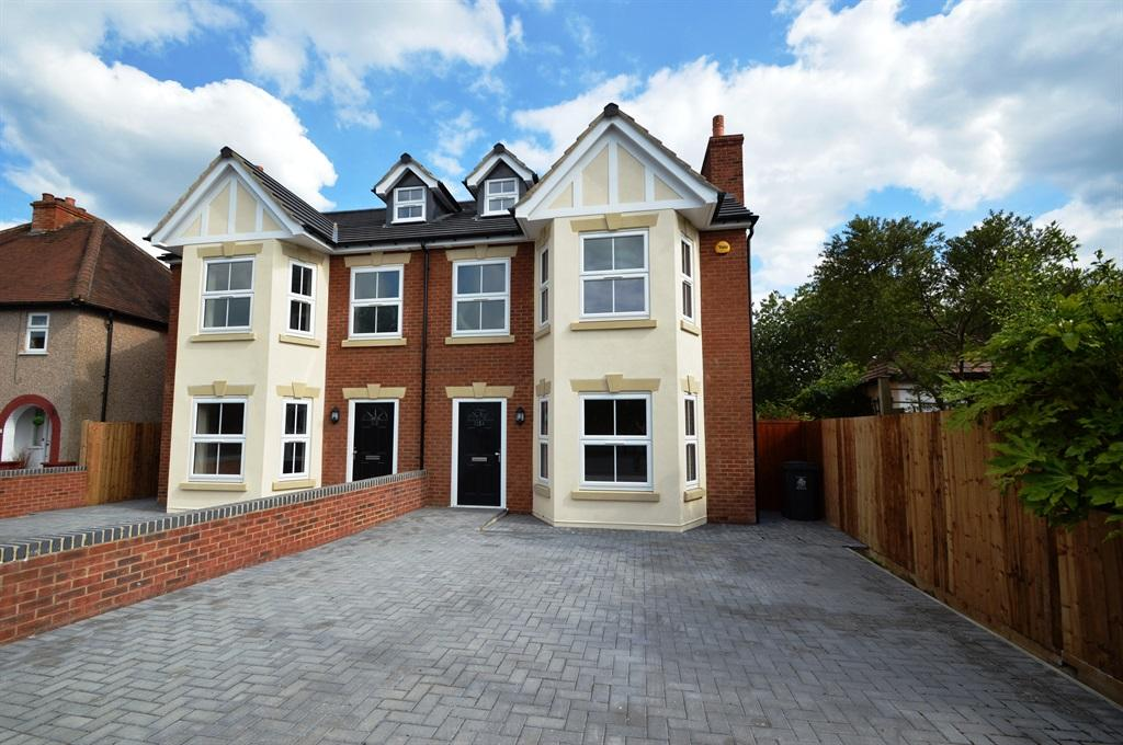 4 bedroom semi detached house for sale in alwyn road maidenhead sl6