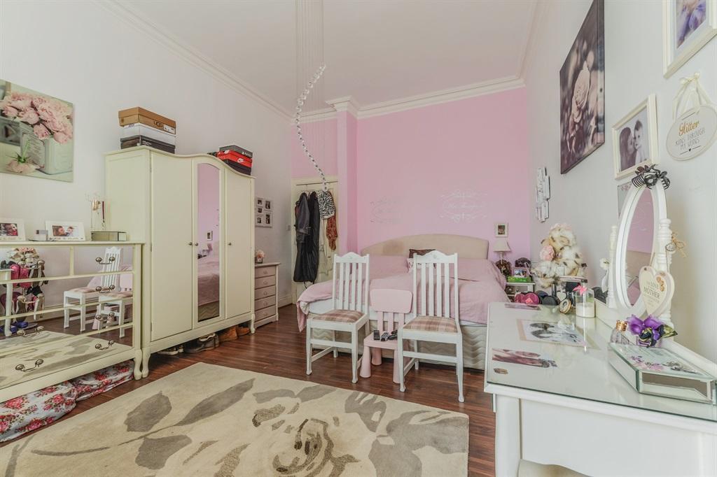 Bedroom One Plus En Suite