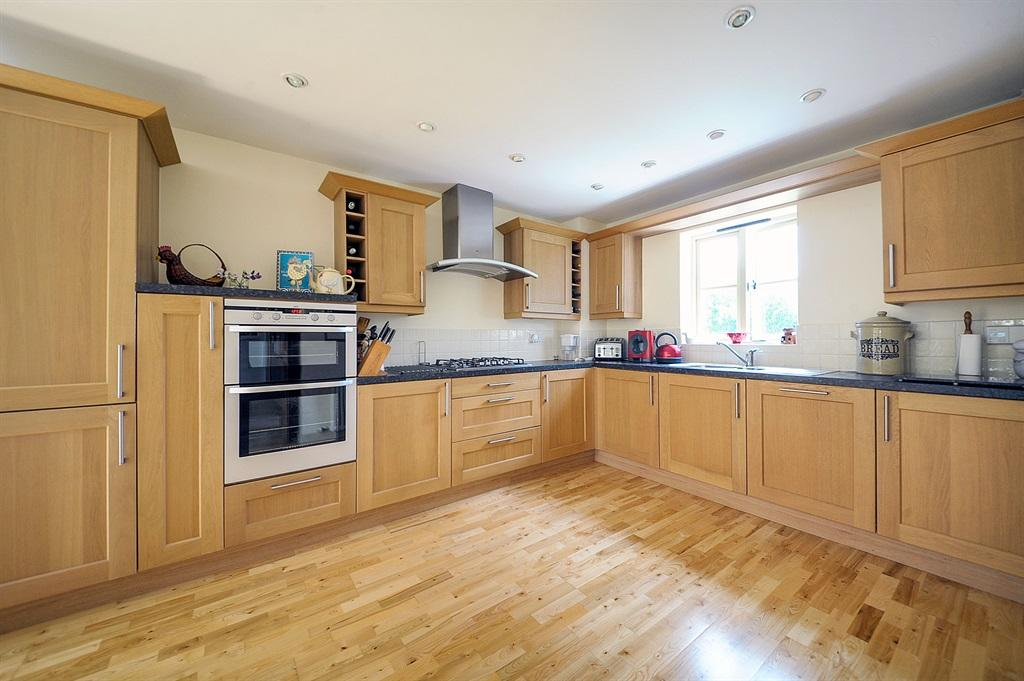 Large Kitchen Breakfast Room