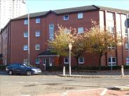 3 bed Ground Flat in Brisbane Street...