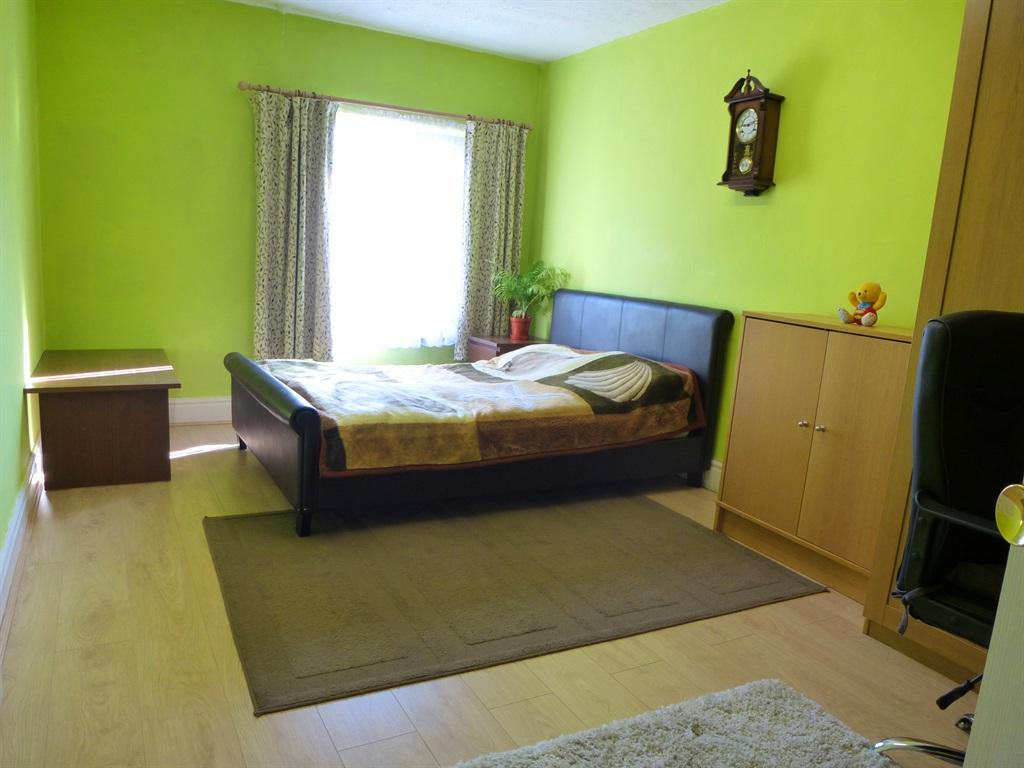 Attractive Rugby Bedroom 3 Bedroom Terraced House For Sale In Grosvenor Road Rugby .