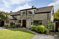 5 bedroom Detached house in Station Road...
