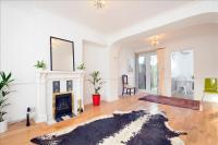 End of Terrace house for sale in Barnes Avenue, Barnes