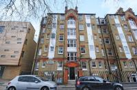 Apartment for sale in Chiswick Road, London