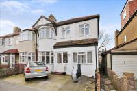 6 bed End of Terrace house for sale in Cavendish Avenue...