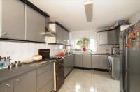3 bedroom semi detached house for sale in Nether Street, London