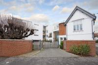 3 bedroom Flat in Sheen Road, Richmond