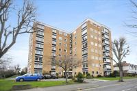 Flat for sale in Grove Road, Surbiton