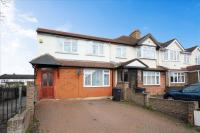 4 bedroom End of Terrace property for sale in Moor Lane, Chessington