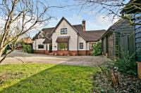 5 bed Detached property in Blunts Hall Road, Witham