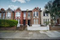 2 bed Ground Flat in Oaklands Grove, London