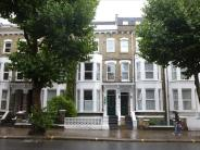 Flat for sale in Shepherds Bush Road...