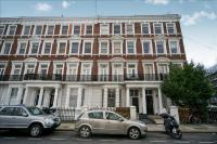 3 bed Ground Flat in Maclise Road, London