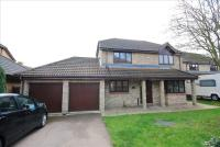 Detached house in Barncroft Close...