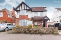 9 bed Detached house in Collington Avenue...