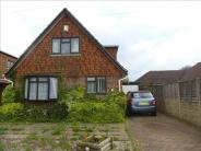 3 bed Bungalow in Golf Links Road...